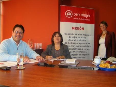 Pro Mujer en Bolivia firma convenio con GIZ.